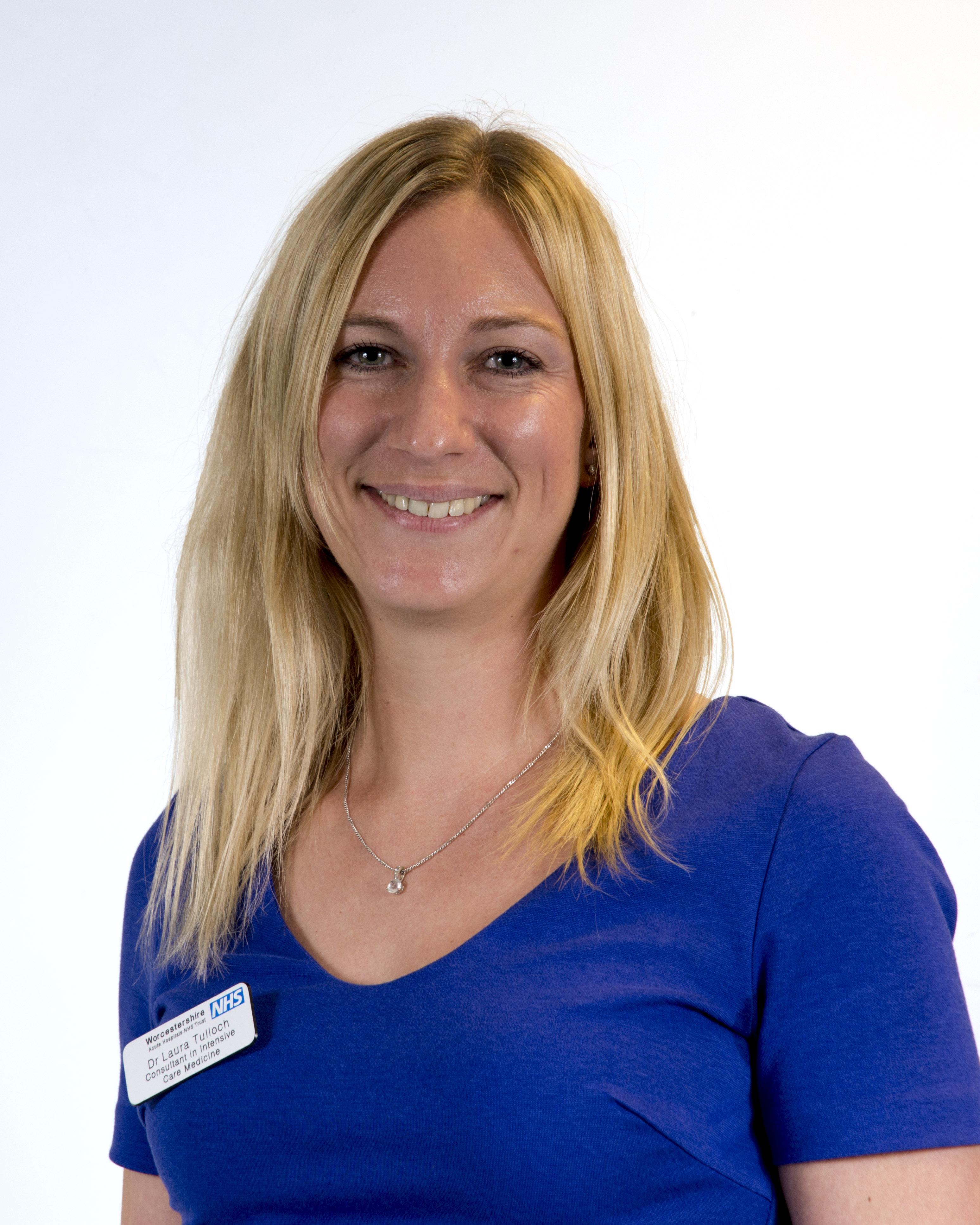 Dr Laura Tulloch