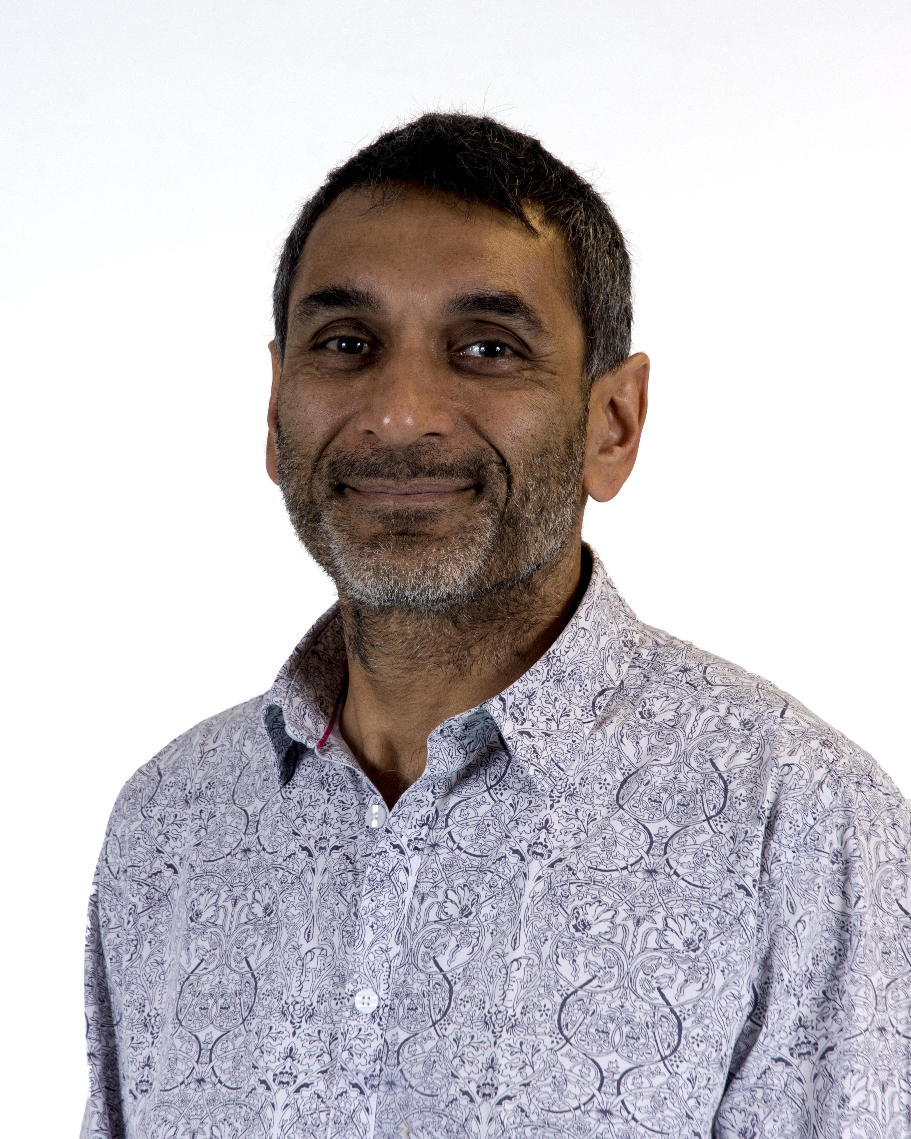 Dr Ratan Alexander